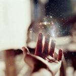 galaxy-glitter-hand-photography-Favim.com-419964