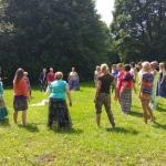 Deju un kustību nodarbība kopā ar psiholoģi, deju un kustību pasniedzēju Ramonu Poli