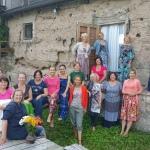 Šajā īpašajā vietā viesu namā Ružciems tikās tik pat īpašas dāmas!