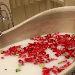 Sevani-valentines-day-aromatherapy-bath